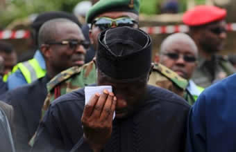 Jonathan Weeping For Dana Plane Crash Victims