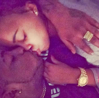 Photo of Davido Kissing A Girl Leaked